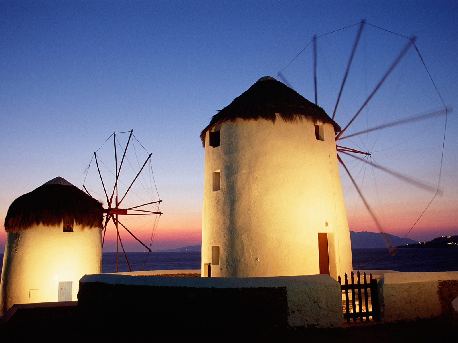 myconos chat sites Mykonos island on this mediterranean island we discover an earthy paradise mykonos is a cosmopolitan universe that imprints the stamp of freedom on all th.